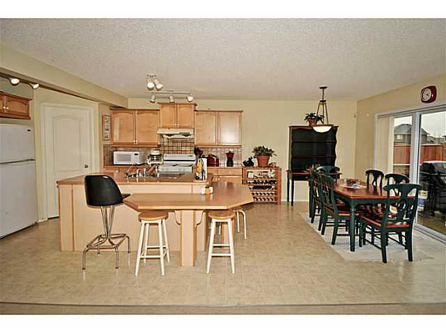 Photo 4: 259 cove Drive: Chestermere Residential Detached Single Family for sale : MLS® # C3642562
