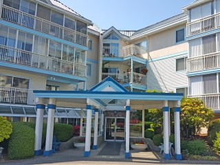 "Main Photo: 216 31930 OLD YALE Road in Abbotsford: Abbotsford West Condo for sale in ""Royal Court"" : MLS(r) # F1441787"
