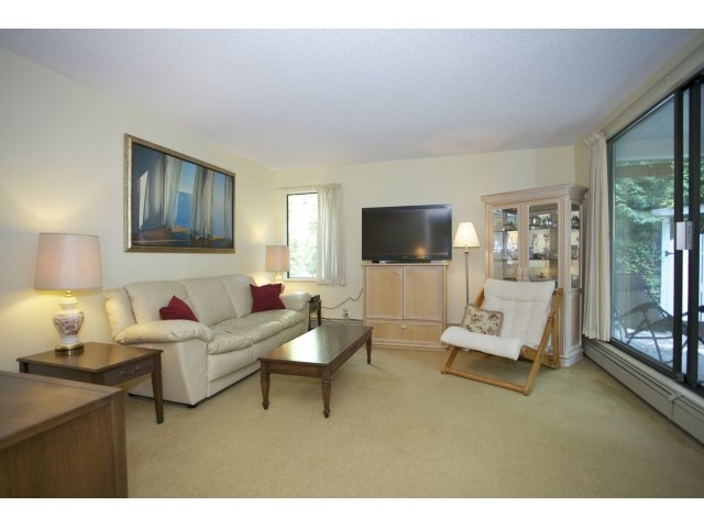"Photo 3: 118 1760 SOUTHMERE Crescent in Surrey: Sunnyside Park Surrey Condo for sale in ""Spinnaker 3"" (South Surrey White Rock)  : MLS(r) # F1449093"