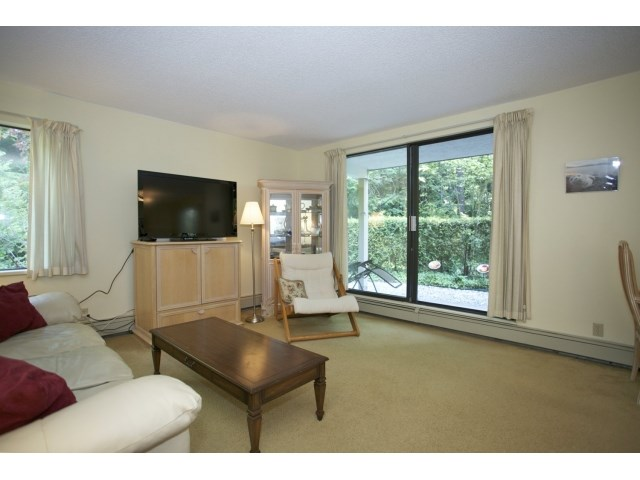 "Photo 4: 118 1760 SOUTHMERE Crescent in Surrey: Sunnyside Park Surrey Condo for sale in ""Spinnaker 3"" (South Surrey White Rock)  : MLS(r) # F1449093"