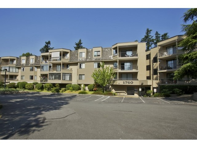 "Main Photo: 118 1760 SOUTHMERE Crescent in Surrey: Sunnyside Park Surrey Condo for sale in ""Spinnaker 3"" (South Surrey White Rock)  : MLS(r) # F1449093"