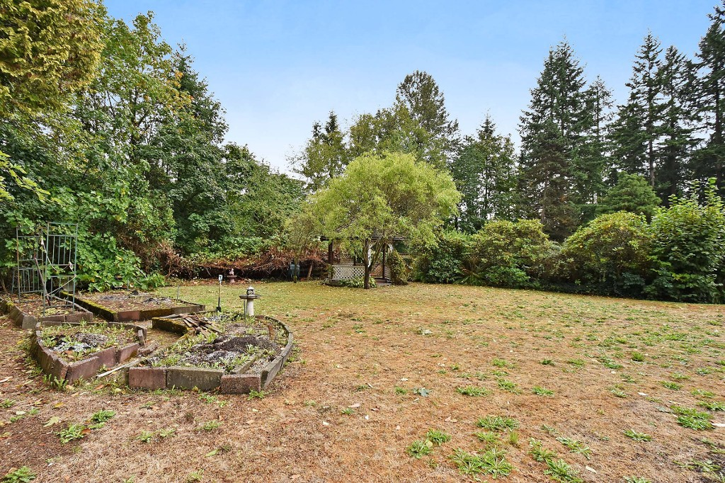 Photo 18: 1388 APPIN Road in NORTH VANC: Westlynn House for sale (North Vancouver)  : MLS(r) # V1142438