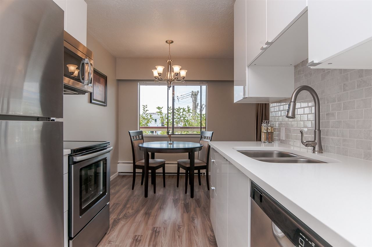 "Photo 4: 325 123 E 19TH Street in NORTH VANC: Central Lonsdale Condo for sale in ""The Dogwood"" (North Vancouver)  : MLS® # R2002167"