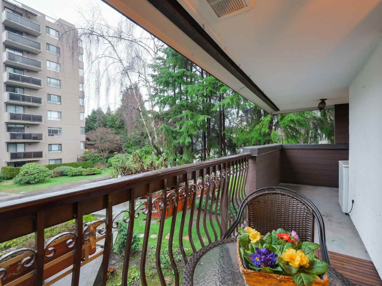 "Photo 14: 202 1352 W 10TH Avenue in Vancouver: Fairview VW Condo for sale in ""Tell Manor"" (Vancouver West)  : MLS® # R2035626"