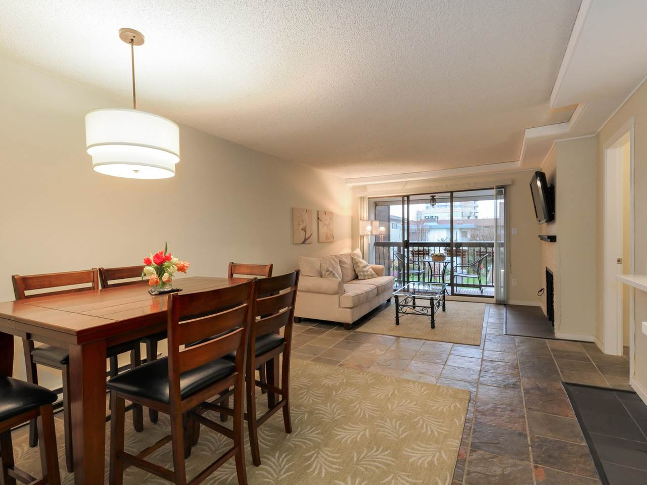 "Photo 5: 202 1352 W 10TH Avenue in Vancouver: Fairview VW Condo for sale in ""Tell Manor"" (Vancouver West)  : MLS® # R2035626"