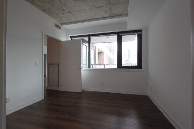Photo 14: 906 400 W Wellington Street in Toronto: Waterfront Communities C1 Condo for lease (Toronto C01)  : MLS® # C3426460