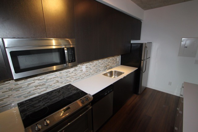 Photo 12: 906 400 W Wellington Street in Toronto: Waterfront Communities C1 Condo for lease (Toronto C01)  : MLS® # C3426460