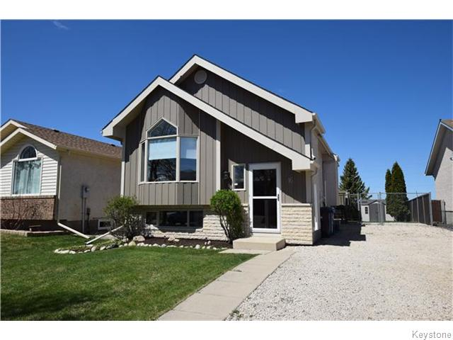 Main Photo: 16 Glencairn Road in Winnipeg: West Kildonan / Garden City Residential for sale (North West Winnipeg)  : MLS® # 1611616