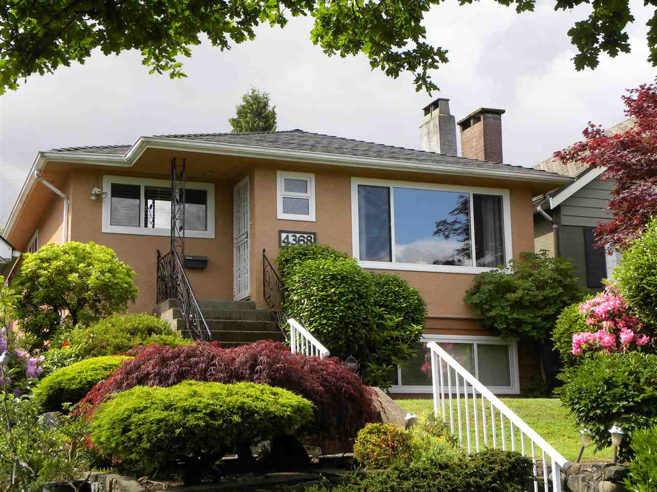 "Main Photo: 4368 CAMBRIDGE Street in Burnaby: Vancouver Heights House for sale in ""Vancouver Heights"" (Burnaby North)  : MLS(r) # R2074790"