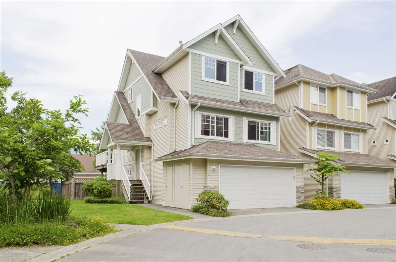 "Main Photo: 34 1108 RIVERSIDE Close in Port Coquitlam: Riverwood Townhouse for sale in ""HERITAGE MEADOWS"" : MLS® # R2078711"