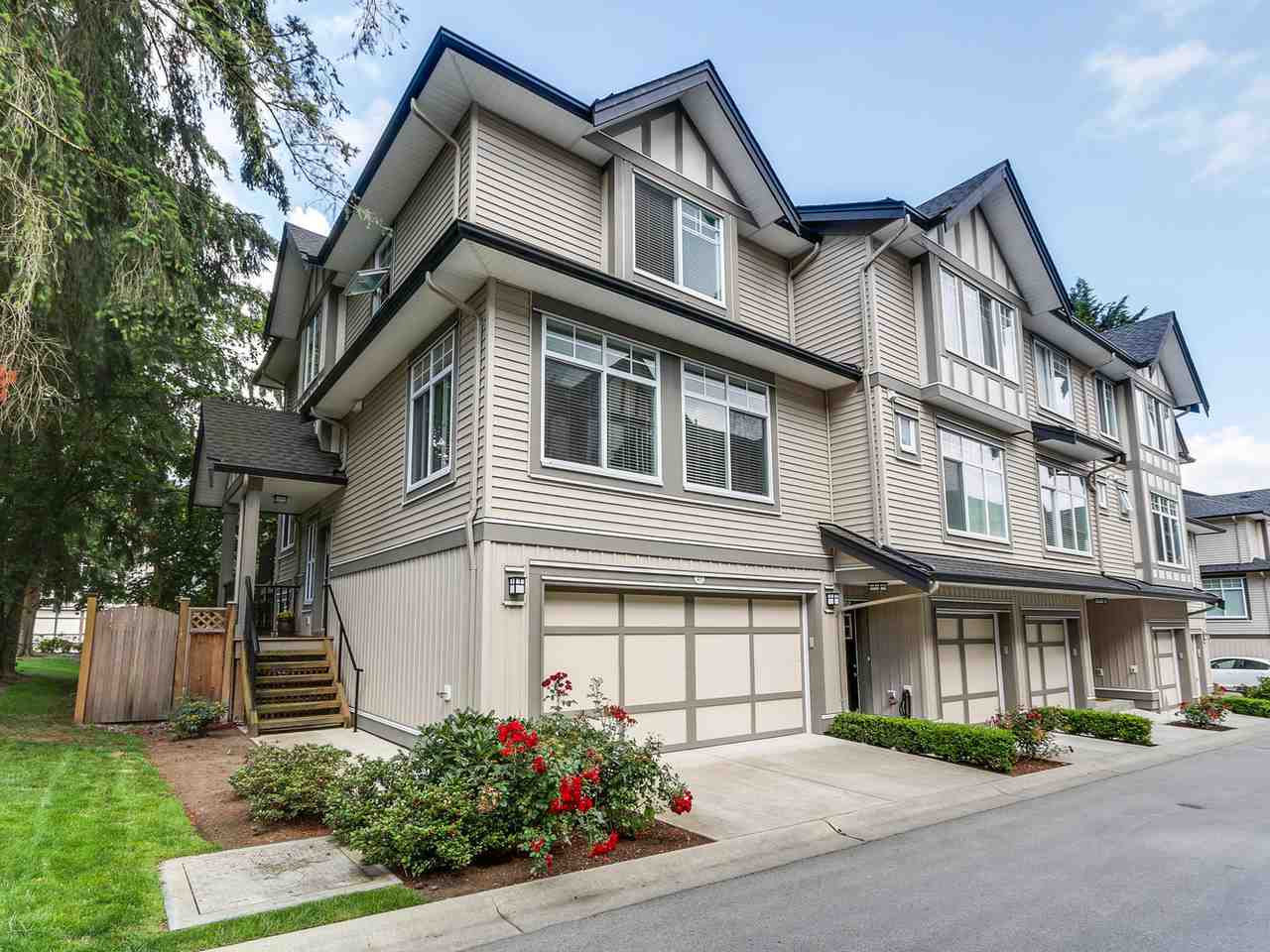 "Main Photo: 27 7090 180 Street in Surrey: Cloverdale BC Townhouse for sale in ""The Boardwalk"" (Cloverdale)  : MLS®# R2092709"