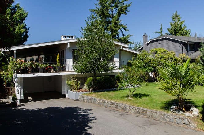 "Main Photo: 4925 2 Avenue in Delta: Pebble Hill House for sale in ""PEBBLE HILL"" (Tsawwassen)  : MLS(r) # R2095843"