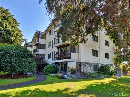 Main Photo: 206 1875 Lansdowne Road in VICTORIA: SE Camosun Condo Apartment for sale (Saanich East)  : MLS®# 370145