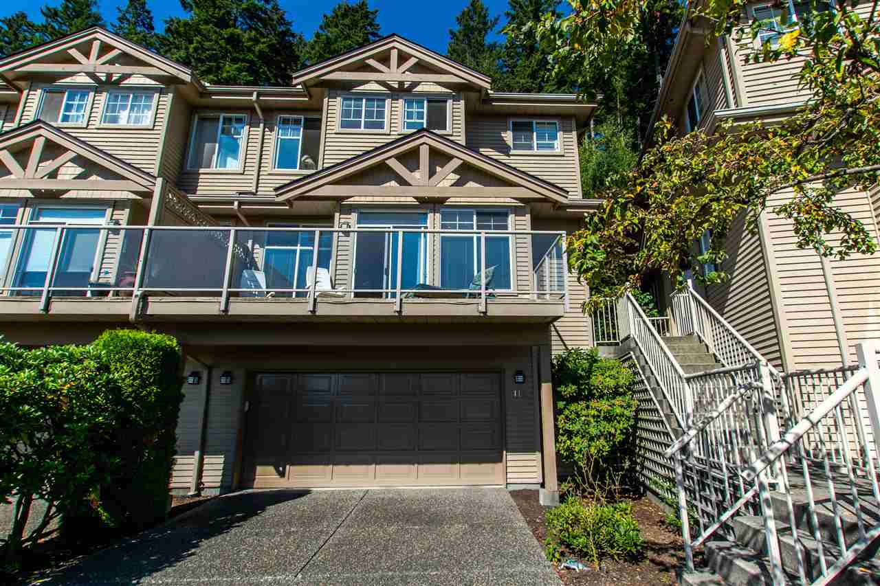 Welcome home! This end unit townhouse has a great floorplan and epic eastern views. Complex is in great shape, pro-active council.