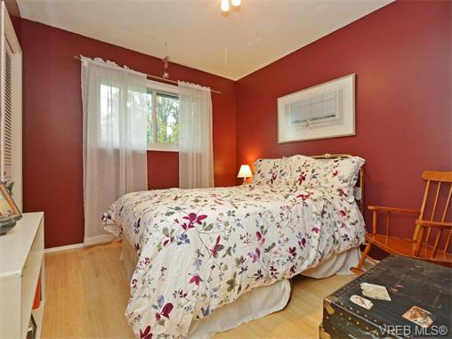 Photo 11: 303 Daniel Place in VICTORIA: Co Lagoon Single Family Detached for sale (Colwood)  : MLS® # 371835