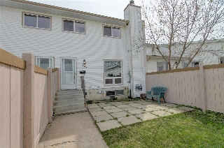 Main Photo: 147 MARLBOROUGH Place in Edmonton: Zone 20 Townhouse for sale : MLS(r) # E4046622