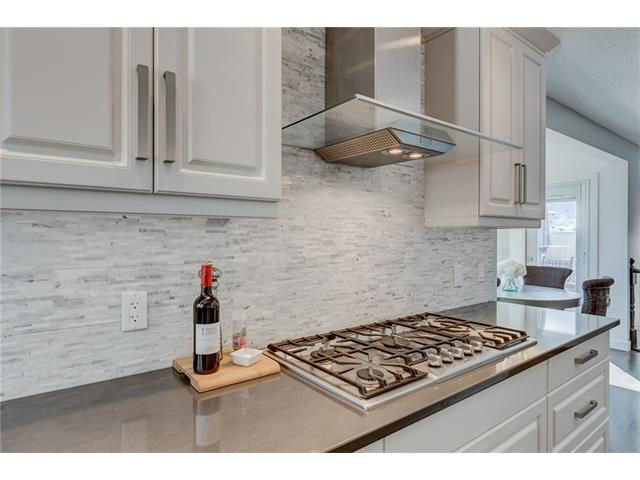 Photo 11: 2956 SIGNAL HILL Drive SW in Calgary: Signal Hill House for sale : MLS(r) # C4099759