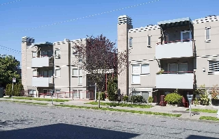 "Main Photo: 106 1195 W 8TH Avenue in Vancouver: Fairview VW Condo for sale in ""ALDER COURT"" (Vancouver West)  : MLS®# R2153190"