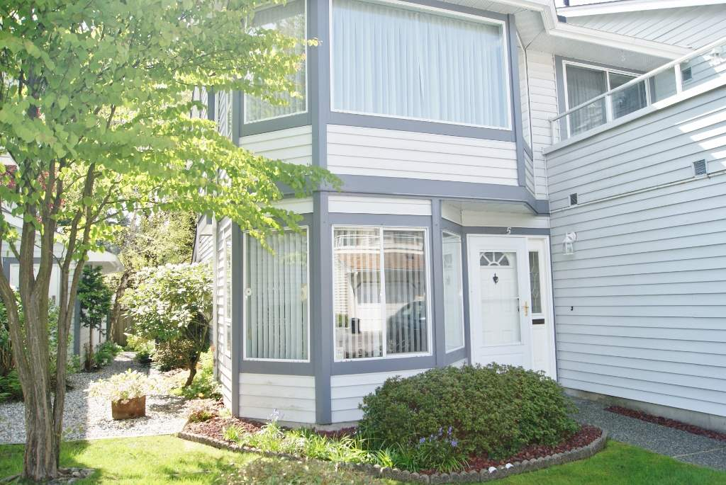 "Photo 3: 5 9253 122 Street in Surrey: Queen Mary Park Surrey Townhouse for sale in ""Kensington Gate"" : MLS(r) # R2162184"
