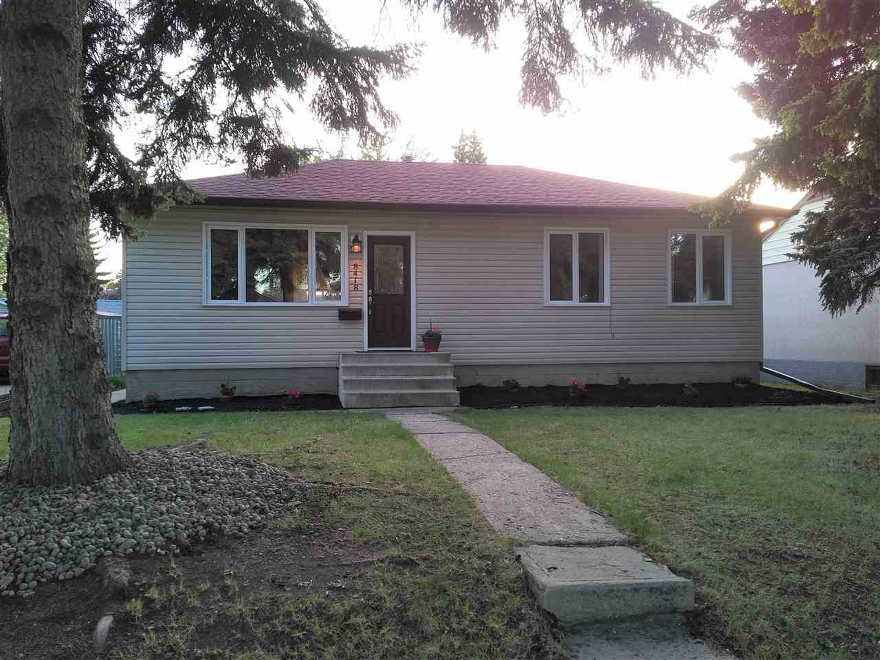 Main Photo: 8418 76 Street in Edmonton: Zone 18 House for sale : MLS(r) # E4066319