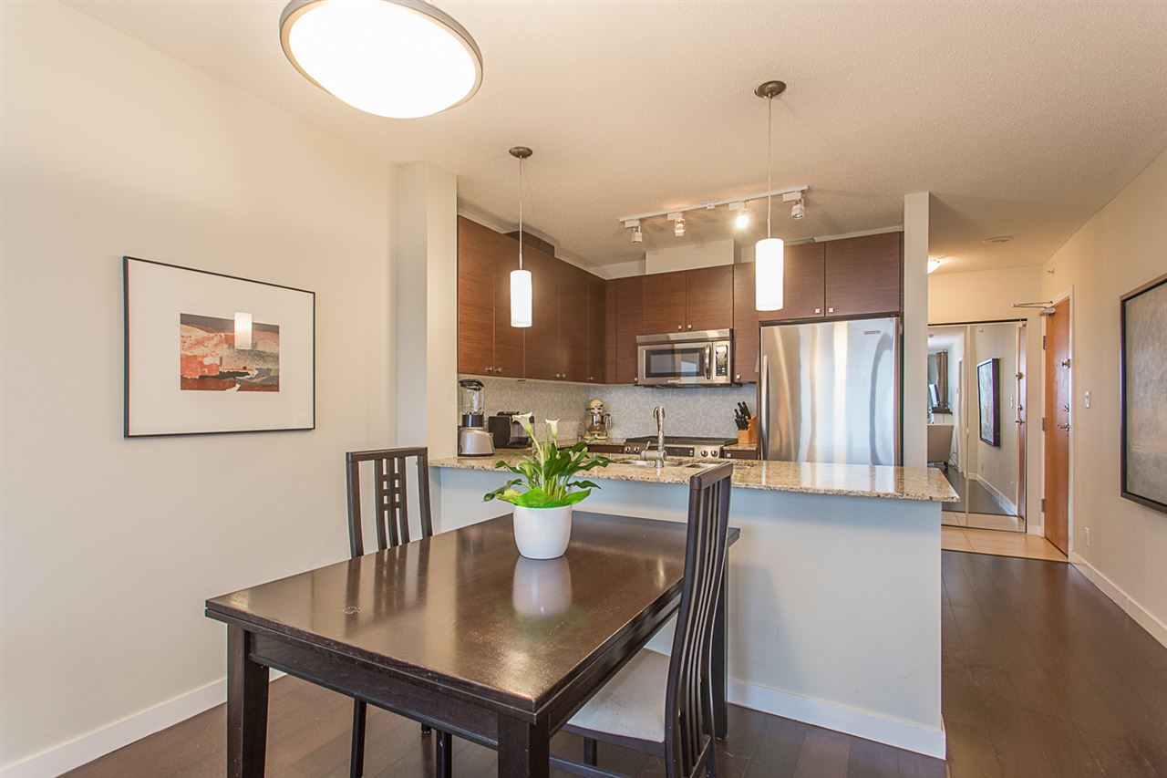 "Photo 7: 2409 110 BREW Street in Port Moody: Port Moody Centre Condo for sale in ""ARIA1"" : MLS(r) # R2176572"