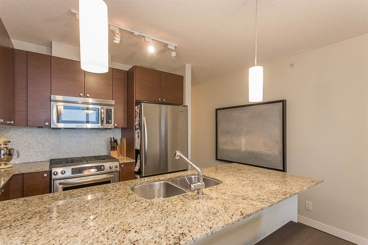 "Photo 4: 2409 110 BREW Street in Port Moody: Port Moody Centre Condo for sale in ""ARIA1"" : MLS(r) # R2176572"