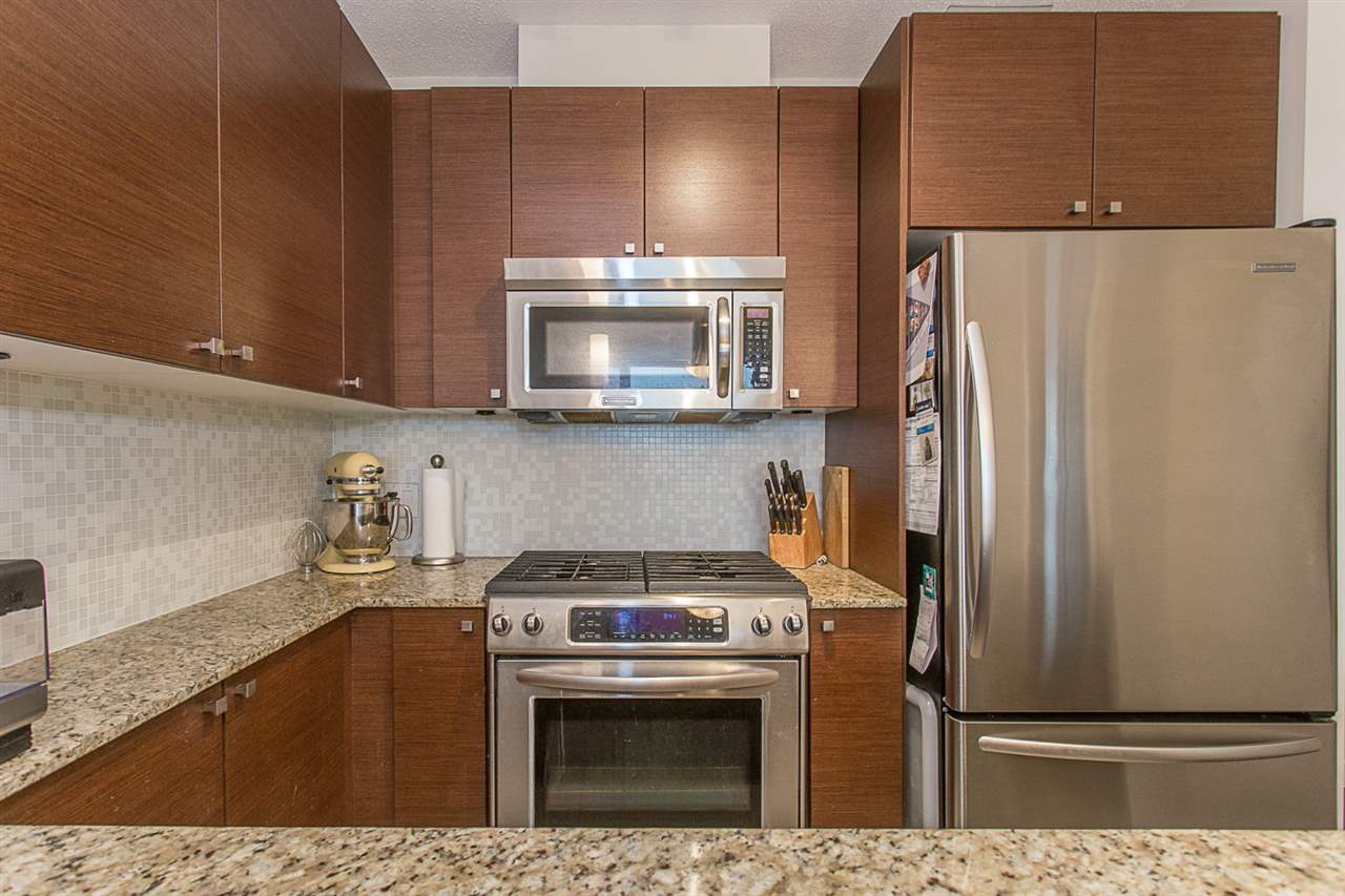"Photo 6: 2409 110 BREW Street in Port Moody: Port Moody Centre Condo for sale in ""ARIA1"" : MLS(r) # R2176572"