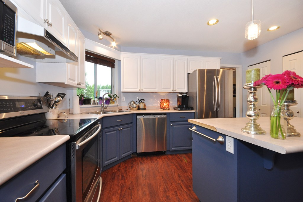 "Photo 7: 35832 CANTERBURY Avenue in Abbotsford: Abbotsford East House for sale in ""MOUNTAIN VIEW"" : MLS(r) # R2179577"