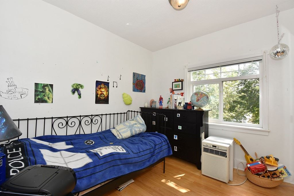 "Photo 12: 6363 WINDSOR Street in Vancouver: Fraser VE House for sale in ""FRASER"" (Vancouver East)  : MLS® # R2183497"