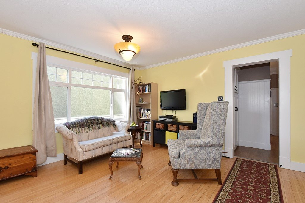 "Photo 6: 6363 WINDSOR Street in Vancouver: Fraser VE House for sale in ""FRASER"" (Vancouver East)  : MLS® # R2183497"