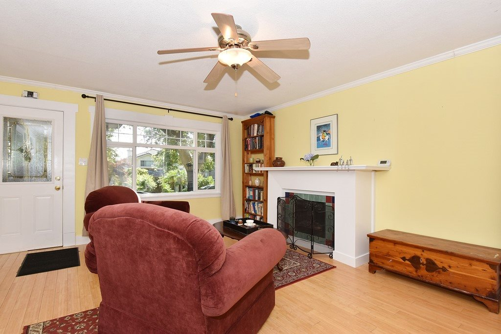 "Photo 3: 6363 WINDSOR Street in Vancouver: Fraser VE House for sale in ""FRASER"" (Vancouver East)  : MLS® # R2183497"