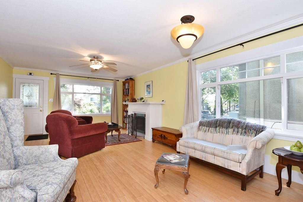 "Photo 5: 6363 WINDSOR Street in Vancouver: Fraser VE House for sale in ""FRASER"" (Vancouver East)  : MLS® # R2183497"