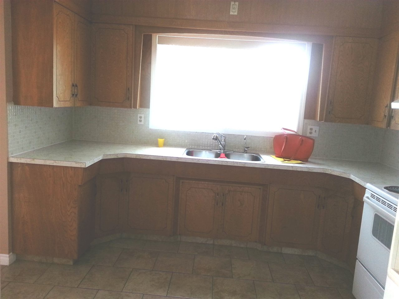 Good size kitchen in good shape