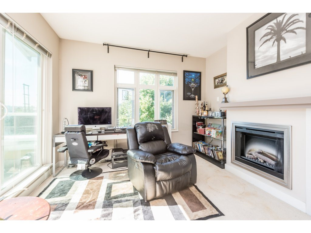 "Photo 6: 401 2368 MARPOLE Avenue in Port Coquitlam: Central Pt Coquitlam Condo for sale in ""RIVER ROCK LANDING"" : MLS® # R2201922"