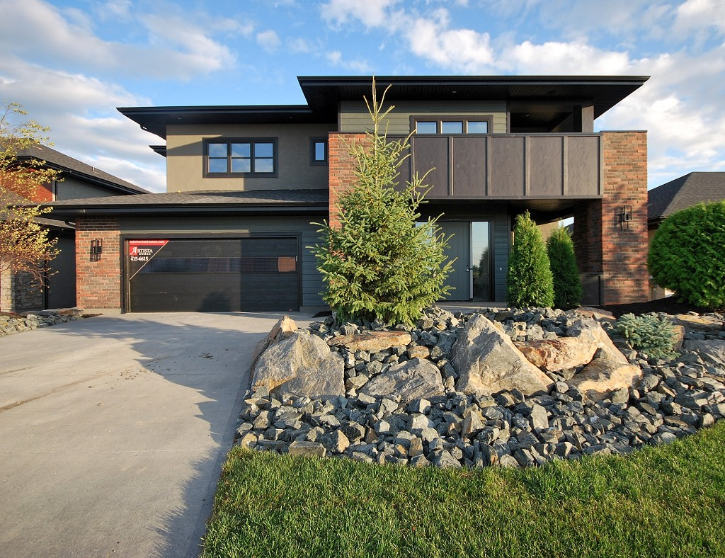 Main Photo: 40 Willow Brook Road in Winnipeg: Bridgwater Lakes Single Family Detached for sale (1R)