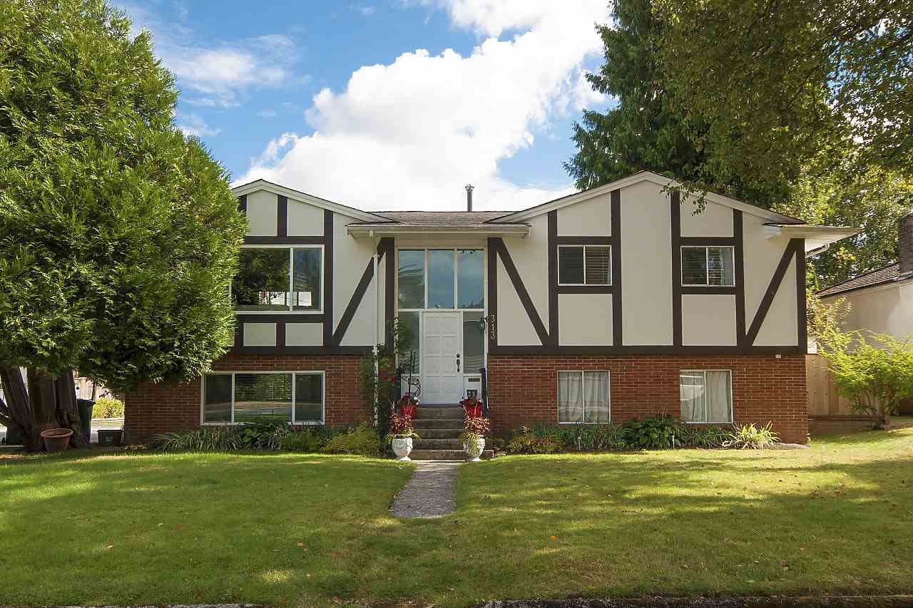 "Main Photo: 313 MOUNT ROYAL Place in Port Moody: College Park PM House for sale in ""COLLEGE PARK"" : MLS® # R2208835"