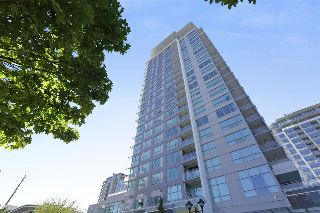"Main Photo: 1707 125 E 14TH Street in North Vancouver: Central Lonsdale Condo for sale in ""CENTREVIEW"" : MLS® # R2214699"