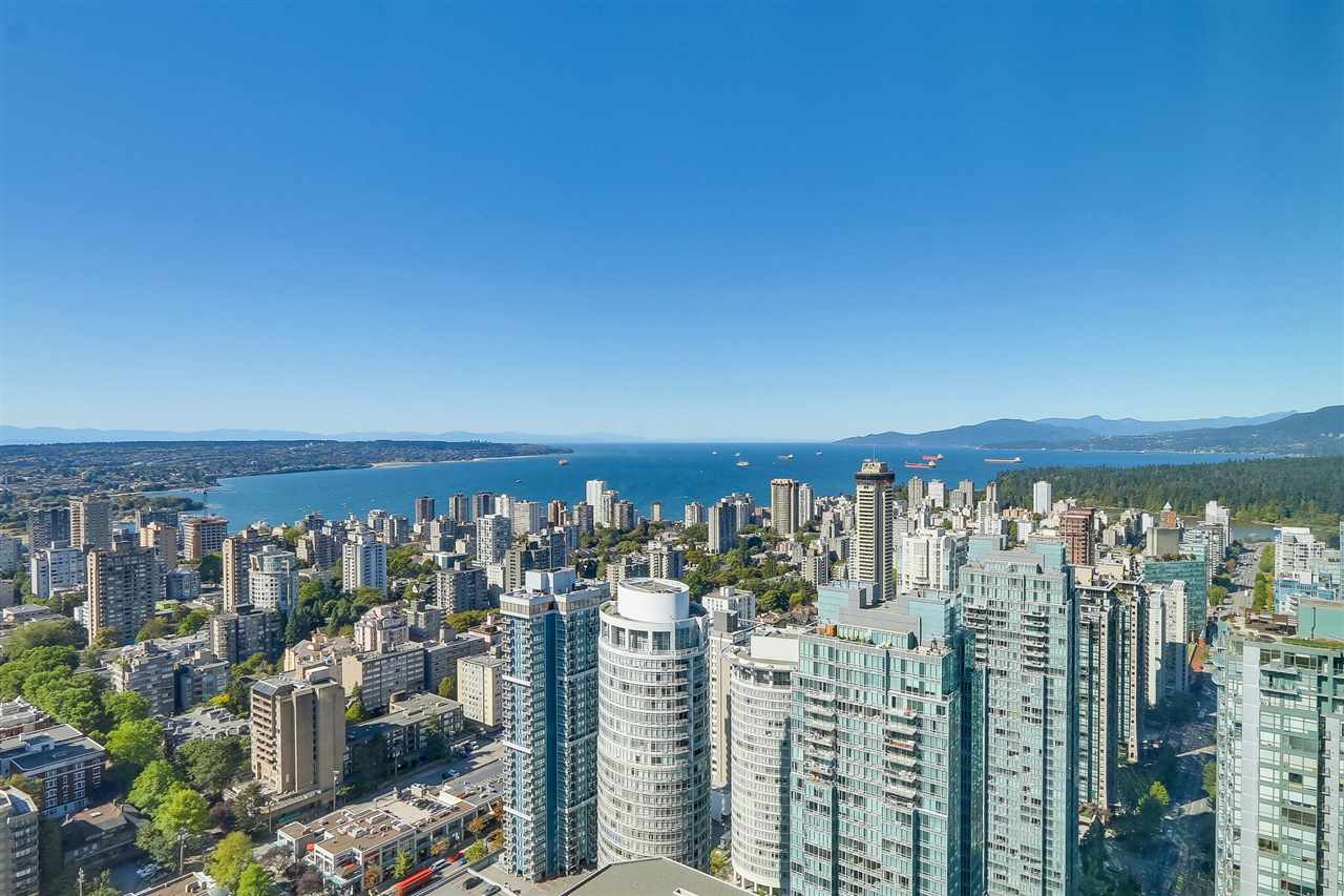 "Main Photo: 5102 1151 W GEORGIA Street in Vancouver: Coal Harbour Condo for sale in ""TRUMP TOWER"" (Vancouver West)  : MLS® # R2230495"