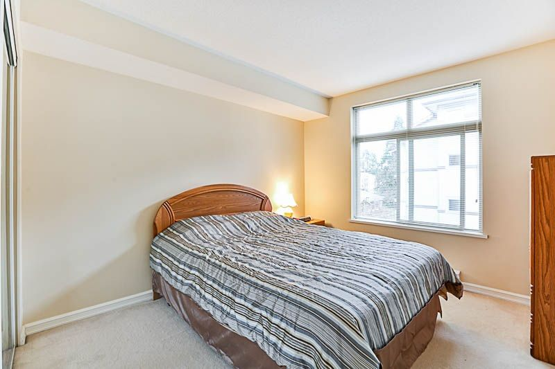 "Photo 14: Photos: 313 10088 148 Street in Surrey: Guildford Condo for sale in ""BLOOMSBURY COURT"" (North Surrey)  : MLS® # R2233906"