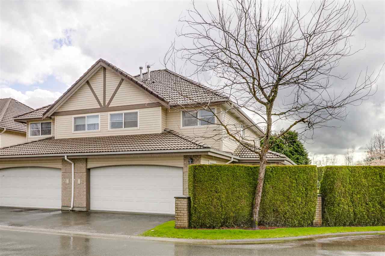 "Main Photo: 9 758 RIVERSIDE Drive in Port Coquitlam: Riverwood Townhouse for sale in ""RIVERLANE ESTATES"" : MLS®# R2257811"