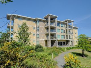Main Photo: 405 3234 Holgate Lane in VICTORIA: Co Lagoon Condo Apartment for sale (Colwood)  : MLS®# 392065
