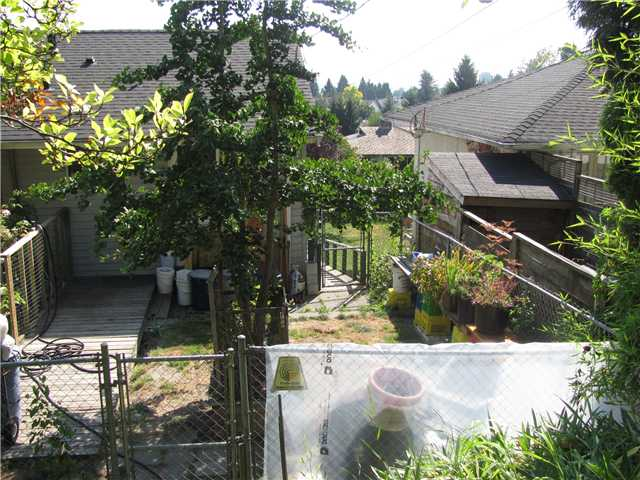 "Photo 9: 145 E 7TH Avenue in New Westminster: The Heights NW House for sale in ""THE HEIGHTS"" : MLS® # V910179"