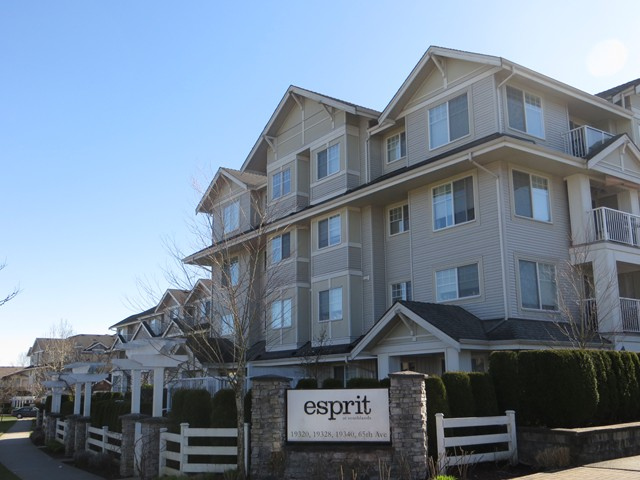 "Main Photo: 402 19320  65TH AV in Surrey: Clayton Condo for sale in ""Esprit at Southlands"" (Cloverdale)  : MLS® # F1217825"