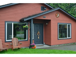 "Main Photo: 861 POPLAR Lane in Gibsons: Gibsons & Area House for sale in ""UPPER GIBSONS"" (Sunshine Coast)  : MLS®# V1090089"