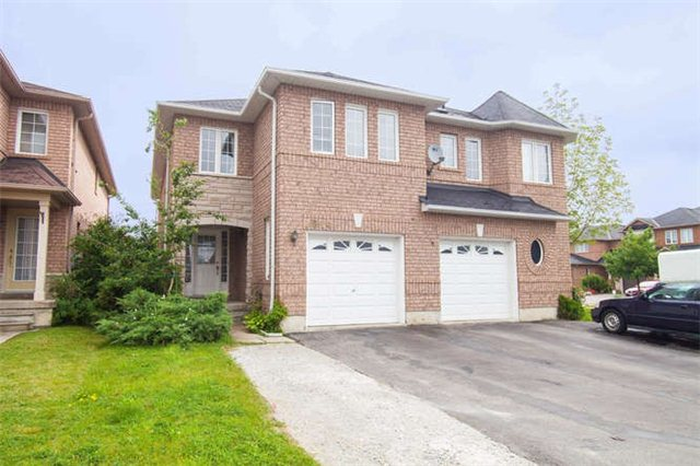 Main Photo: 1014 Foxglove Place in Mississauga: East Credit House (2-Storey) for sale : MLS® # W3262467