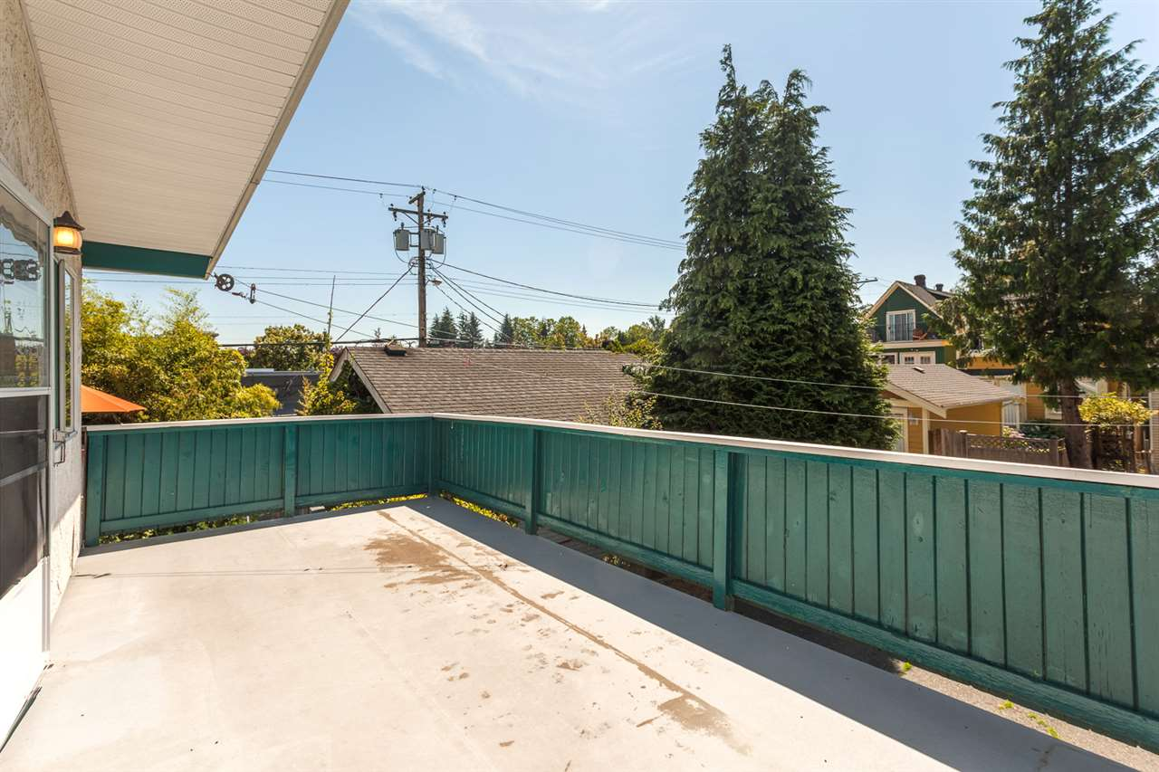 "Photo 19: 180 E 26TH Avenue in Vancouver: Main House for sale in ""MAIN"" (Vancouver East)  : MLS(r) # R2087545"