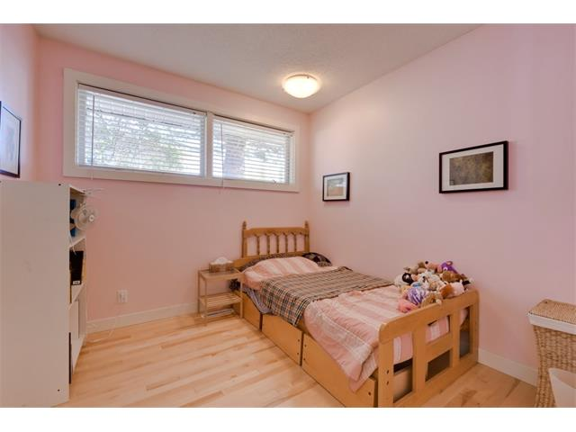 Photo 18: 5719 LODGE Crescent SW in Calgary: Lakeview House for sale : MLS® # C4076054