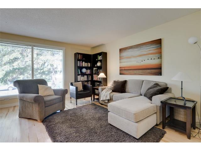 Photo 15: 5719 LODGE Crescent SW in Calgary: Lakeview House for sale : MLS® # C4076054