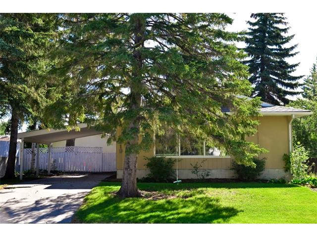 Main Photo: 5719 LODGE Crescent SW in Calgary: Lakeview House for sale : MLS® # C4076054