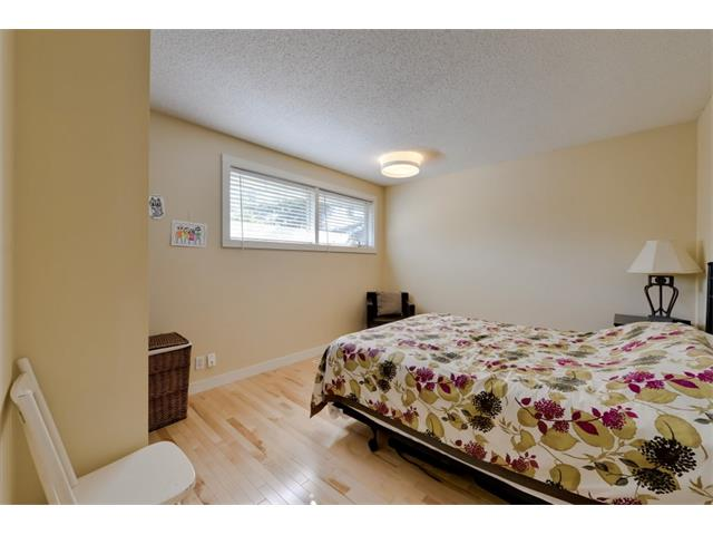 Photo 16: 5719 LODGE Crescent SW in Calgary: Lakeview House for sale : MLS® # C4076054
